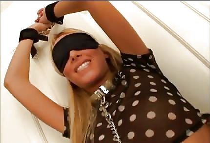 Kerie Sable is being fucked blindfolded