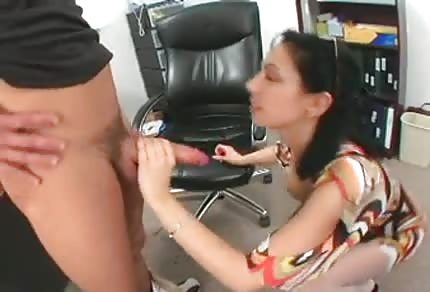 Sexy mommy wants to lick his young dick