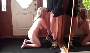 MILF pulls a dick in front of the mirror
