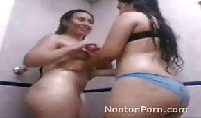 Wet amateurs with wonderful ass
