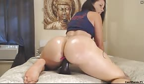 Laluni's big ass on sex cam