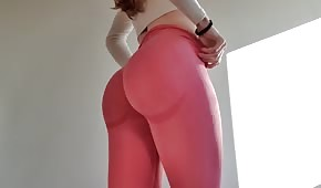Excellent ass in very tight leggings